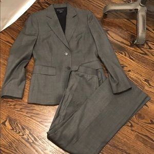 Brooks Brothers suit set in size 4 for women